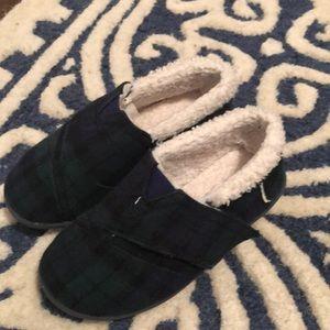 Toms boys size 10 cozy slipper exc cond